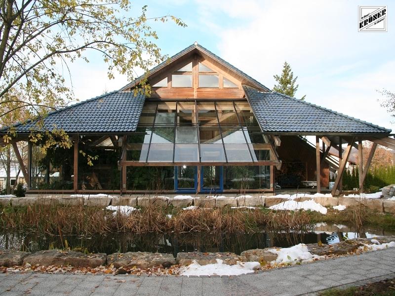 Sie sehen Bilder aus dem Artikel: BAUART - Holzhaus